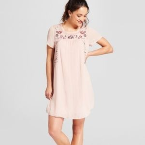 5/$25 Knox Rose Pink Embroidered Shift Dress NWT
